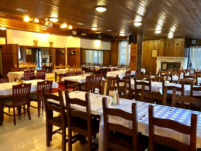 Elegant Lodge Hotel (Elegant SPA) - Food and dining